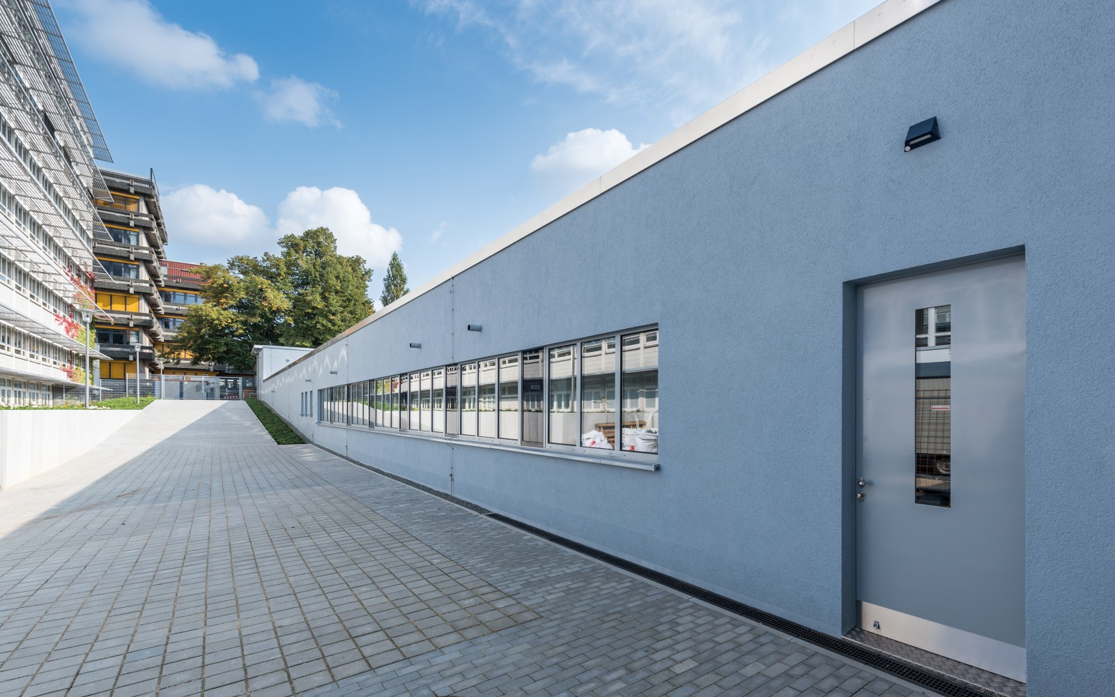 neubau-warenlager-uni-hamburg-fachbereich-chemie-seitenansicht