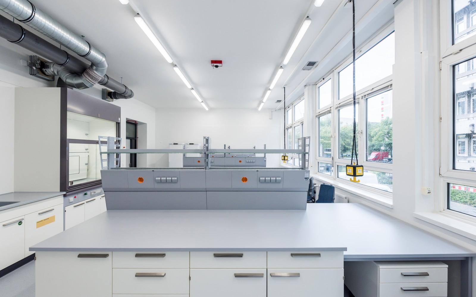 umbau-bestand-uni-hamburg-fachbereich-chemie-Institut-fuer-biochemie-und-molekularbiologie-labor
