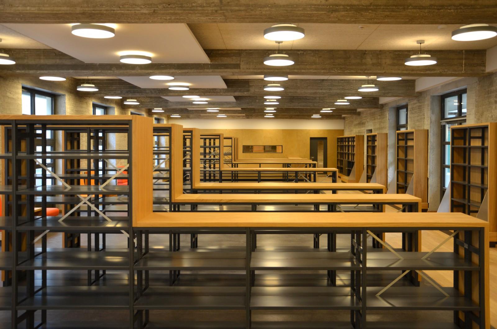gymnasium-christianeum-regale-bibliothek