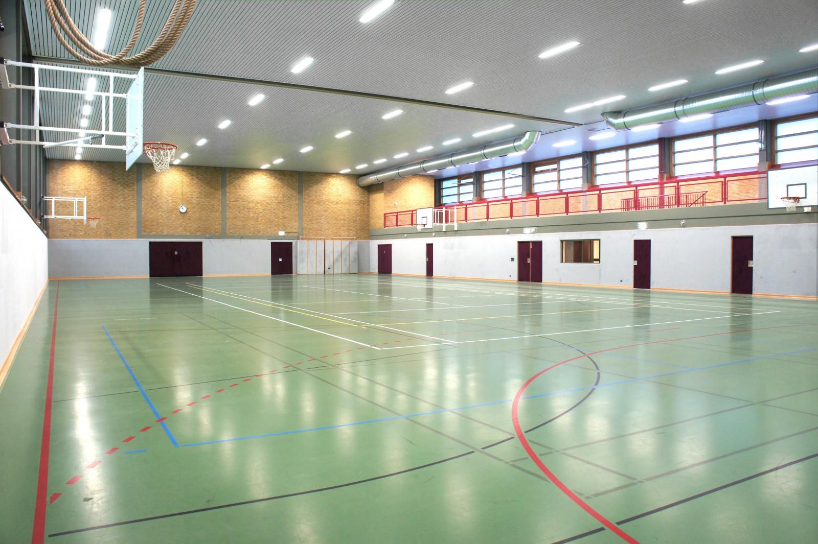 neubau-turnhalle-fuehrungsakademie-der-bundeswehr-clausewitz-kaserne-turnhalle-innen