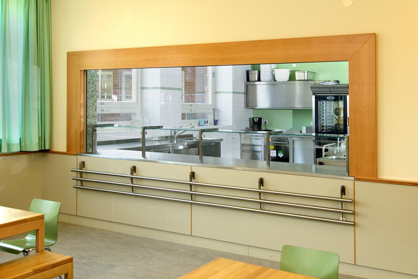 energetische-grundsanierung-schule-hinter-der-lieth-restaurant-kueche